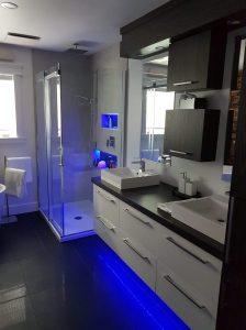 Installation de salle de bain sur mesure à Joliette - Plomberie le Plomb